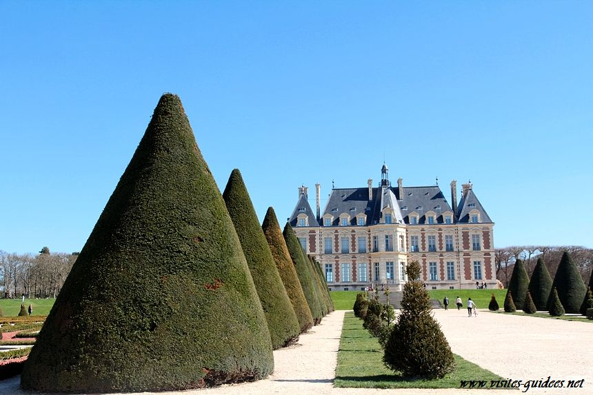 parterres de broderie et château de Sceaux