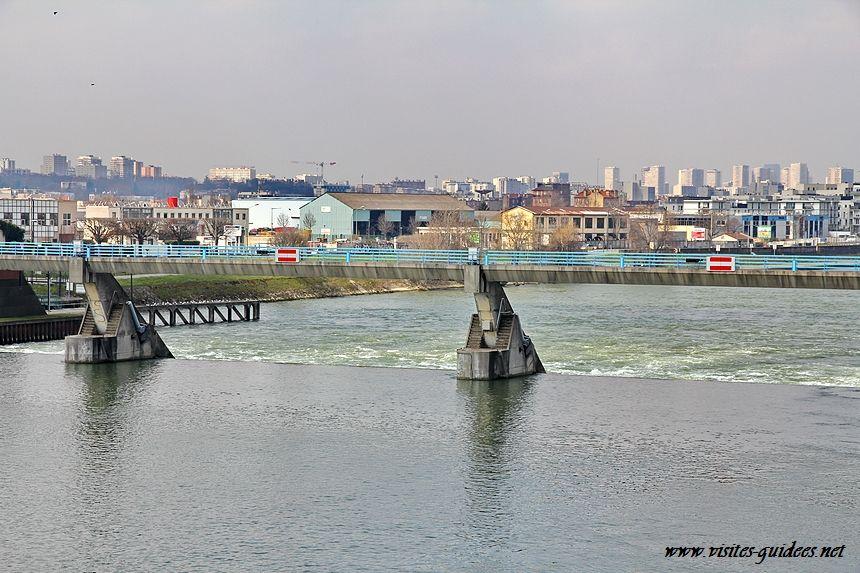 barrage du port du Port-à-l'Anglais Vitry sur Seine