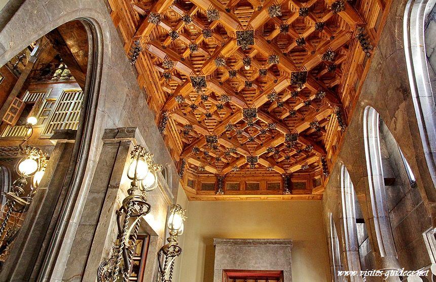 Palais Güell plafond à caissons