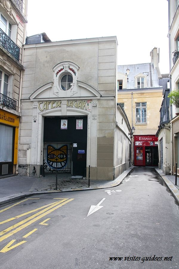 Café de la Gare Ancienne sortie des artistes