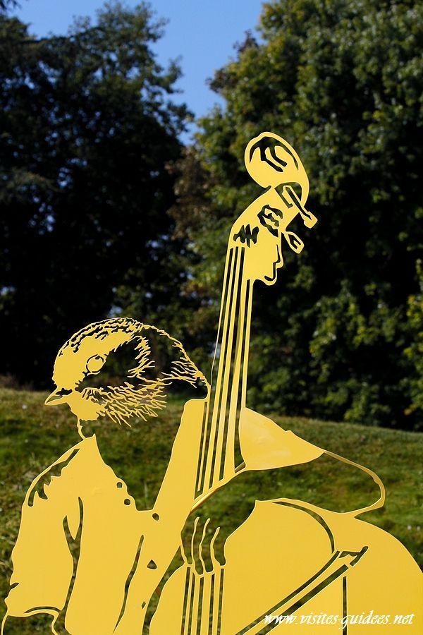 z'animaux musiciens Basse Bergeronnette