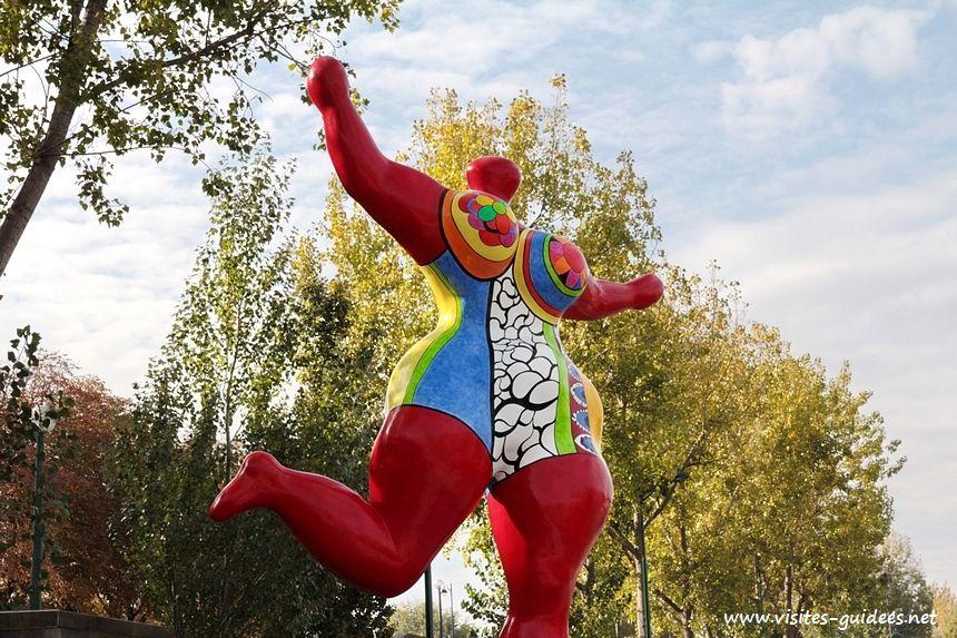 Nana danseuse Rouge d'Orient-Bloum Niki de Saint Phalle