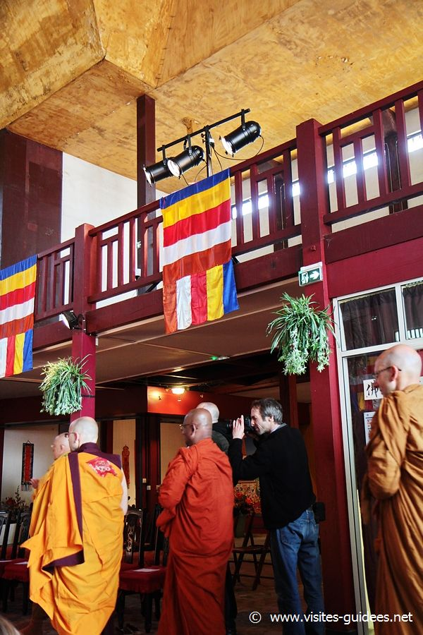 Fête du Bouddhisme retour des reliques du Bouddha