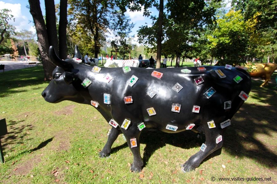 Cow Parade Diamonds Cow Christina Marquès