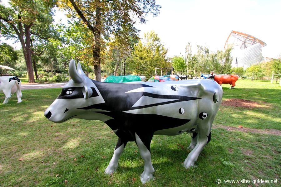 Cow parade Mère du Monde, Mère Vénérée Philippe Druillet