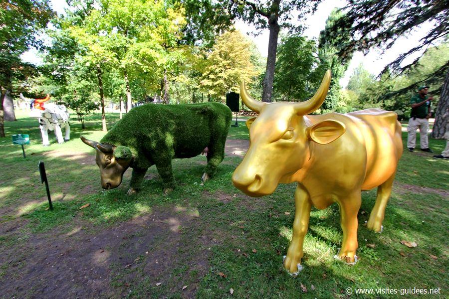La Vache est dans le pré Sophie Cabanne et La Vache d'Or Françoise Vallée Tuset