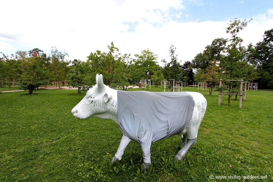 Cow for future fashion Elisabeth de Senneville