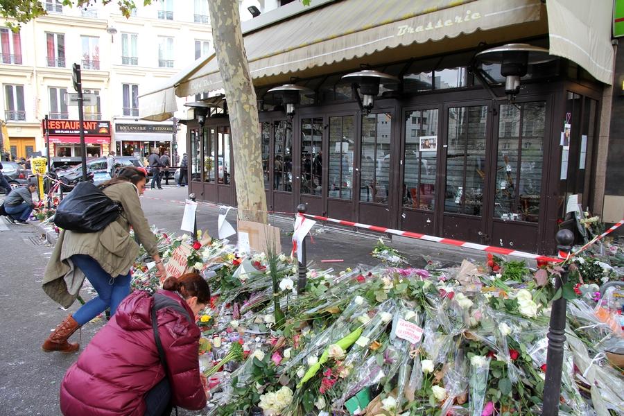 Je suis Paris rue de la Fontaine au Roi
