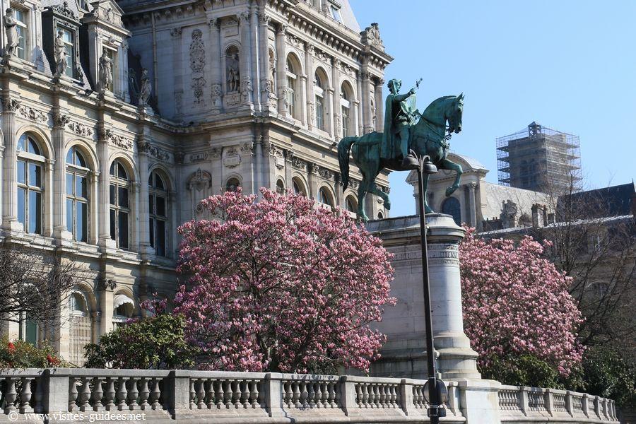 Statue équestre d'Etienne Marcel Hôtel de Ville de Paris