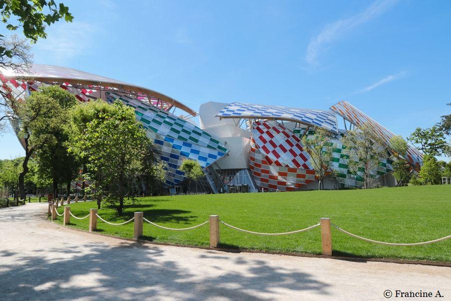 L'observatoire de la lumière Daniel Buren Fondation Louis Vuitton