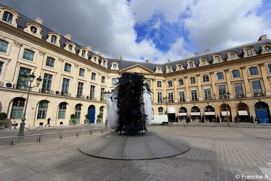 Manolo Valdès Place Vendôme La Doble Imagen
