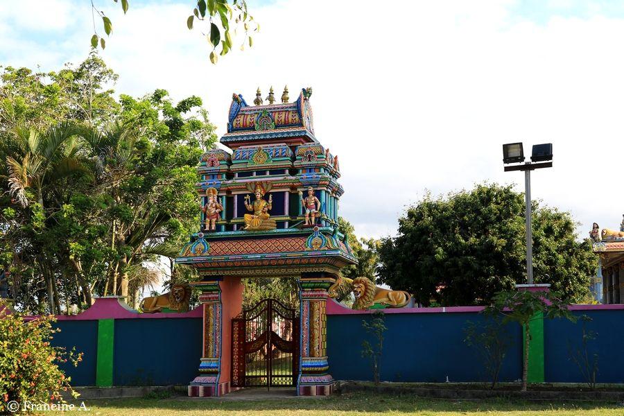 Temple tamoul de Bois Rouge Sainte Suzanne
